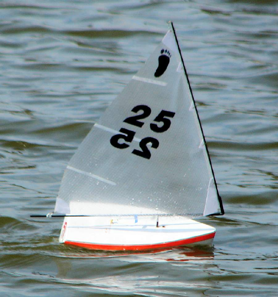 Footy race at the Wooden Boat show in Mystic [Archive] - The